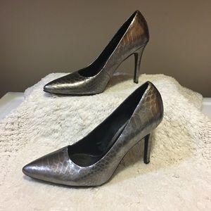 LOFT silver faux snakeskin heels pointed toe 7 1/2